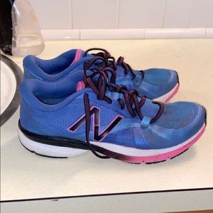 New Balance Shoes Size 8 Barely Worn